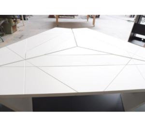 Table de studio TV en fabrication