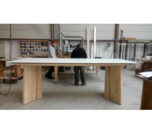 Table haute de bar en fabrication