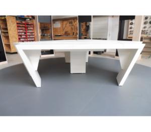 Table studio TV