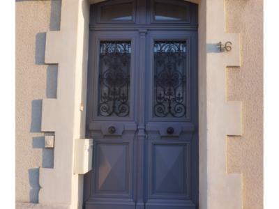 Copie d'ancienne porte d'entrée bois