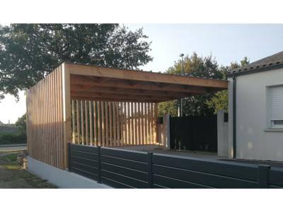 Carport en bois avec toit plat